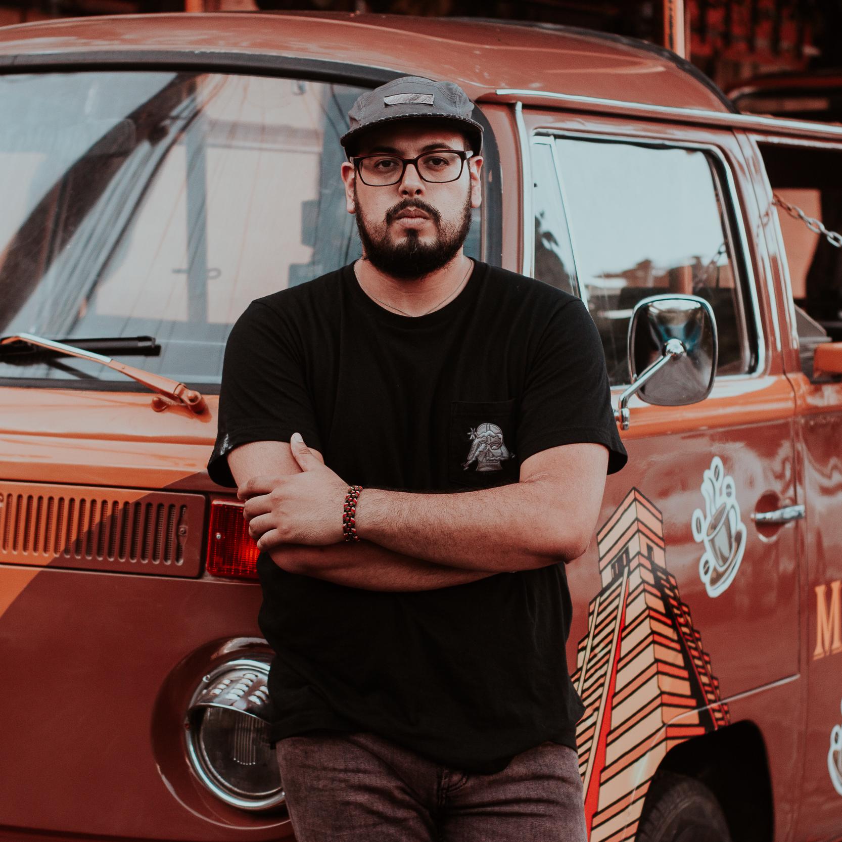 """DJ Loup Rouge"" - Raul Hildalgo"
